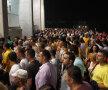 Deși a fost aglomerație la intrare, în jurul orei 20:30, oamenii s-au comportat decent și stewarzii nu au provocat momente penibile