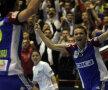 Iulia Curea sărbătoreşte încă unu din cele 7 goluri pe care le-a înscris ieri // Foto: Raed Krishan (Rm. Vîlcea)