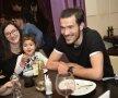 Soția și fetița i-au fost alături lui Alex Benga // Foto: Cristi Preda