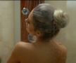 GALERIE FOTO HOT // Michaela Prosan a fost surprinsă GOALĂ la duș! A dezvăluit că se uită la filme pentru adulți