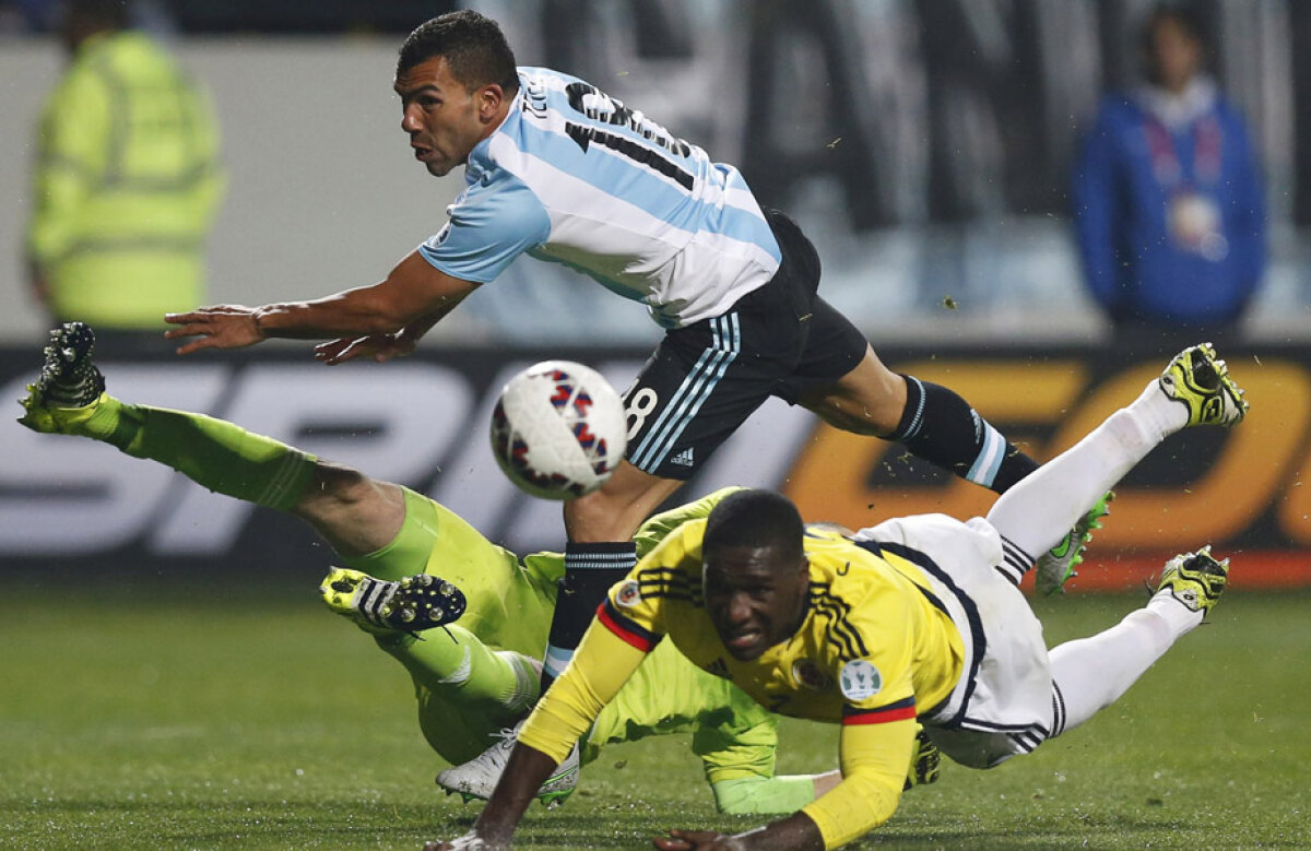 VIDEO Tevez se întoarce la Boca și salvează Argentina » Carlitos a marcat penalty-ul decisiv în sfertul cu Columbia