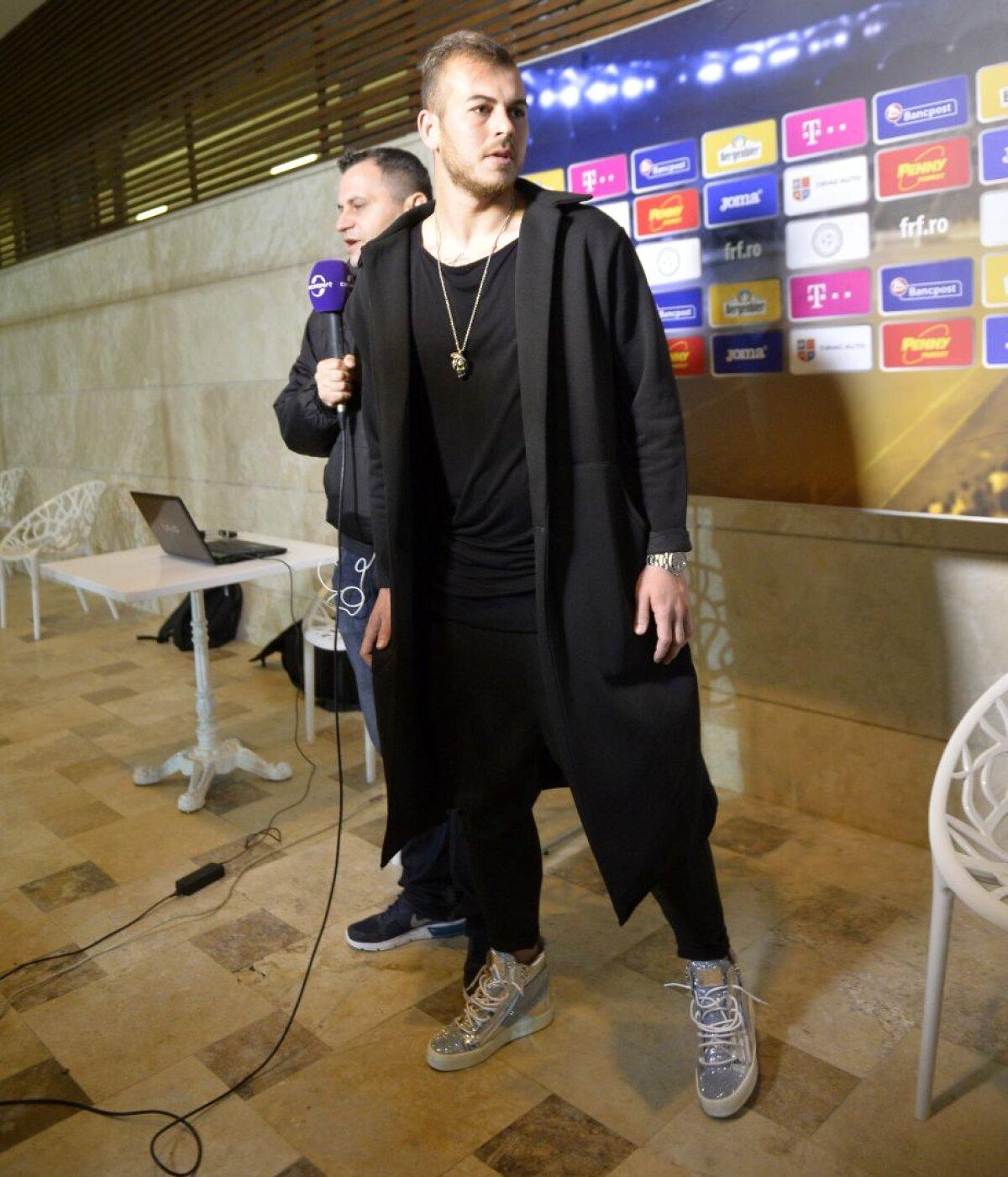 FOTO Dark Alibec » Denis a impresionat cu accesorii de peste 6.000 de lei după amicalul României! Ce a declarat
