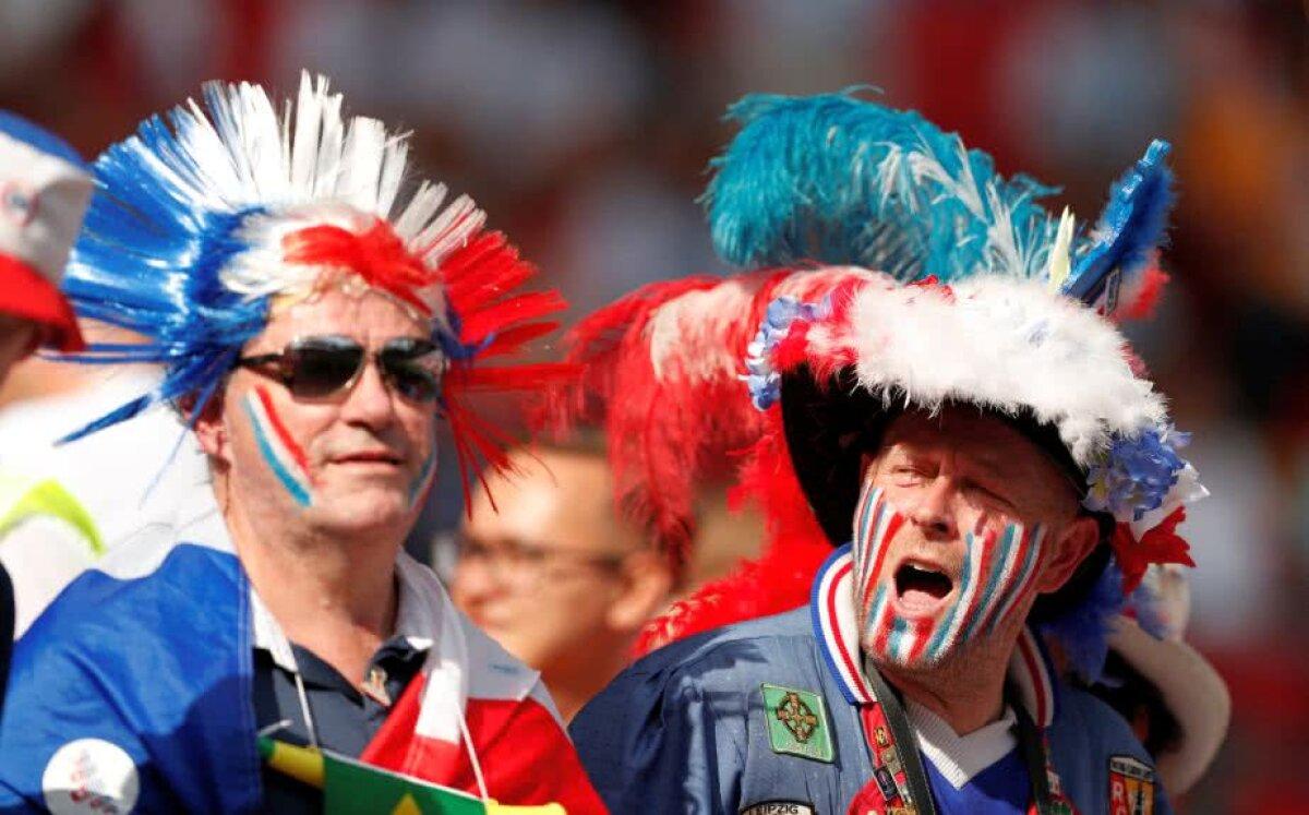"""FOTO """"Pentru eternitate"""" » Cum a fost surprins un fan al Franței în tribune, la 20 de ani de la ultimul Mondial câștigat de """"cocoși"""""""