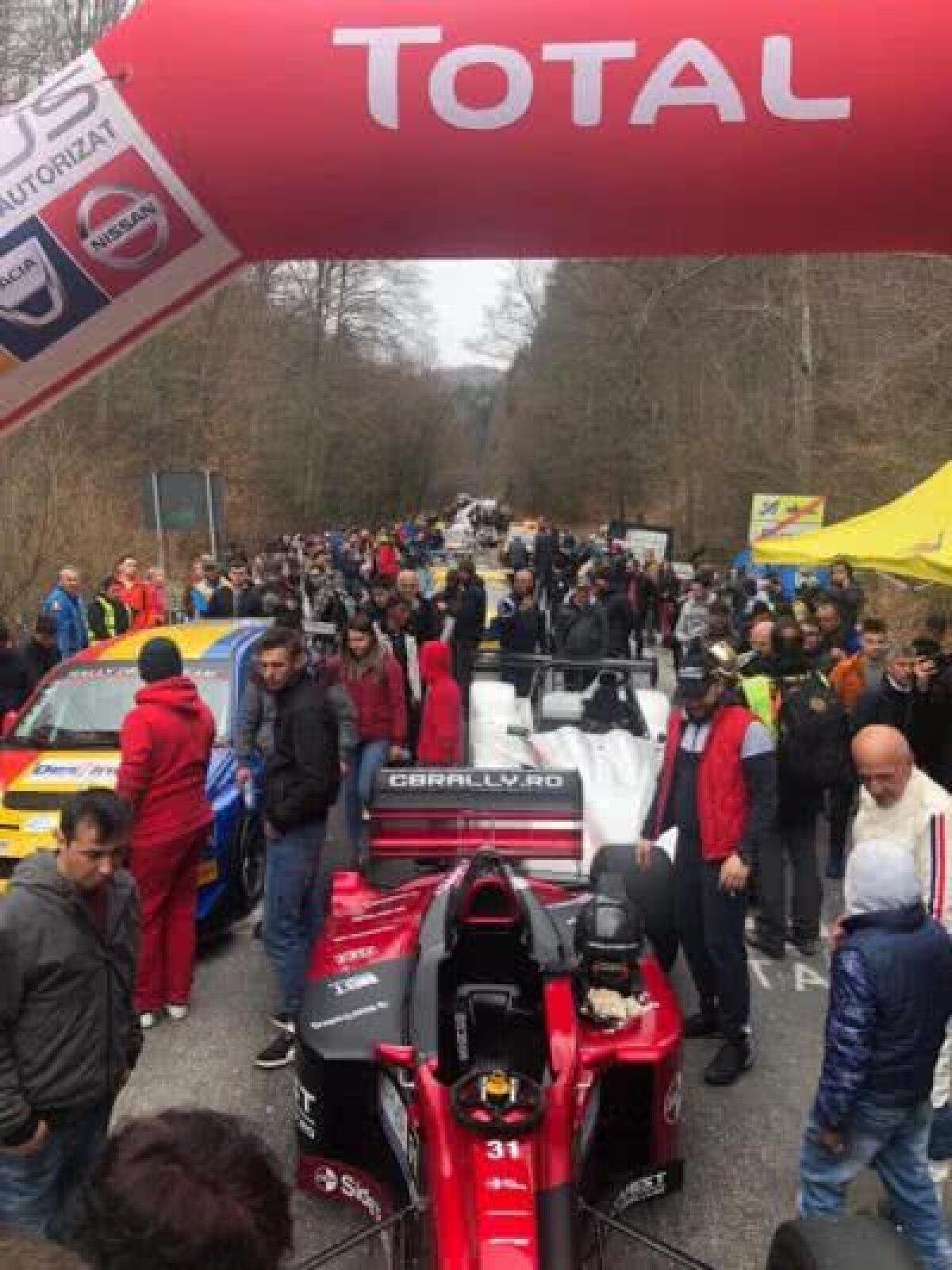 FOTO Fanii motorsportului au invadat Râșnovul. Victorie surpriză în deschiderea sezonului de coastă