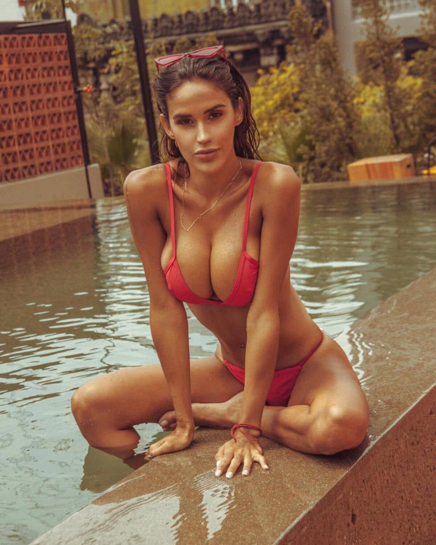 GALERIE FOTO INTERZISĂ Luisa le face pe toate! Fotomodelul pasionat de sport care nu ratează nicio petrecere de pe plajele mexicane