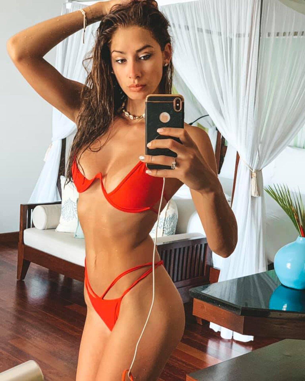 Poza 23 - FOTO Brenda Patea, modelul româno-german care voia să-l ...