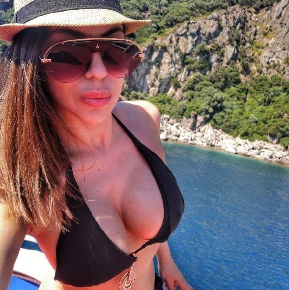 """FOTO Roksana Gantova n-a uitat de Rapid nici de Sărbători: """"Vreau de la Moșul să-mi garanteze că echipa mea promovează"""""""