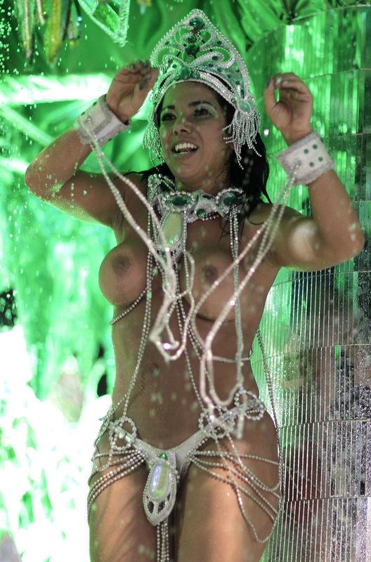 klipi-brazilskie-golie