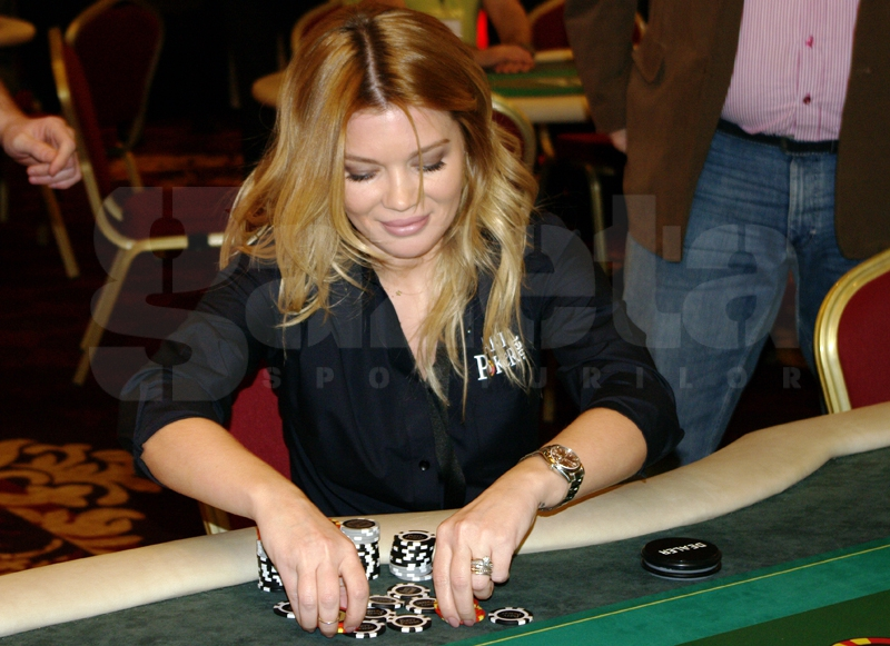 544805-turneu-poker-gina-pistol-helmuth-duckadam-alexandru-piturca-foto-bogdan-fechita-4.jpg