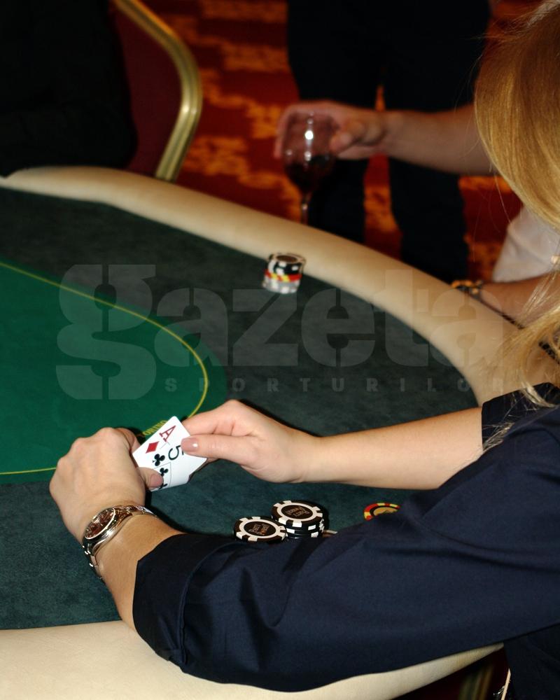 544806-turneu-poker-gina-pistol-helmuth-duckadam-alexandru-piturca-foto-bogdan-fechita-5.jpg