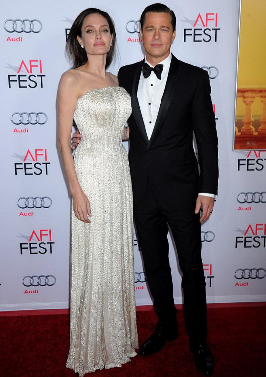 Toată presa specula că vor divorța, dar Angelina și Brad sunt mai uniți ca niciodată