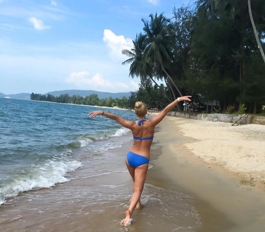 FOTO » Vica Blochina face ravagii în Thailanda. Uite cît de sexy e!