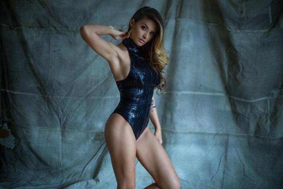 Antonia a pozat super-sexy, iar rezultatul este năucitor! Fanii sunt în extaz