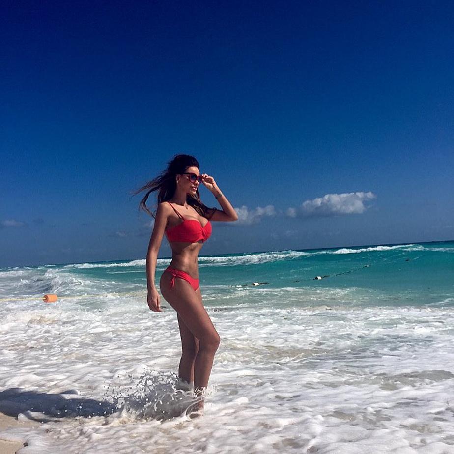 FOTO » Bianca Drăgușanu a înnebunit americanii! Imagini senzaționale din vacanță