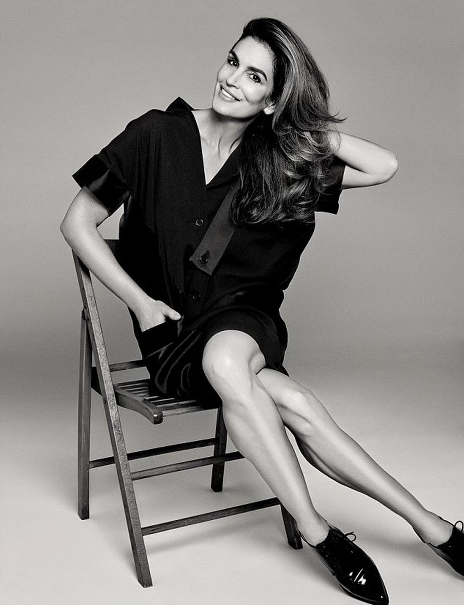 Cindy Crawford şi-a anunţat retragerea din modelling, la vîrsta de 50 de ani