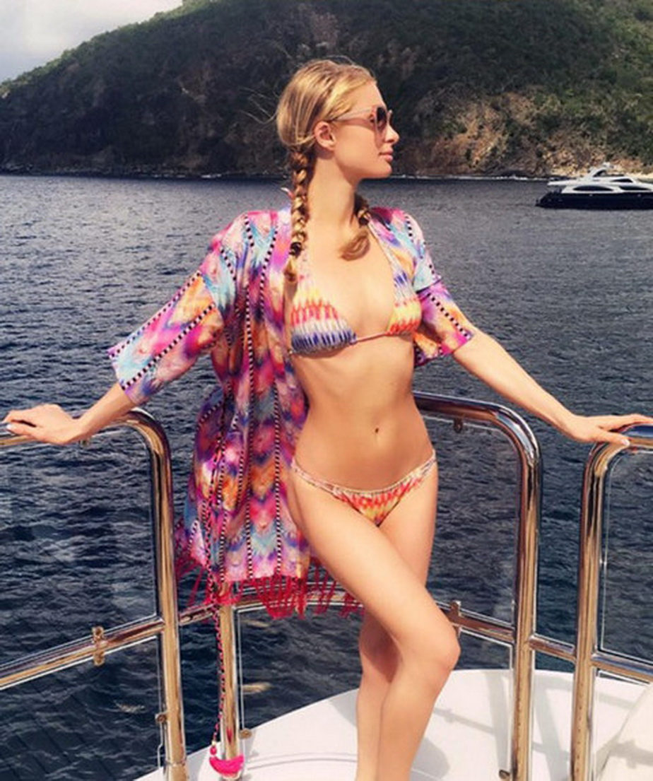 """Paris Hilton, într-o ipostază super-hot! """"Acesta-i paradisul?"""""""