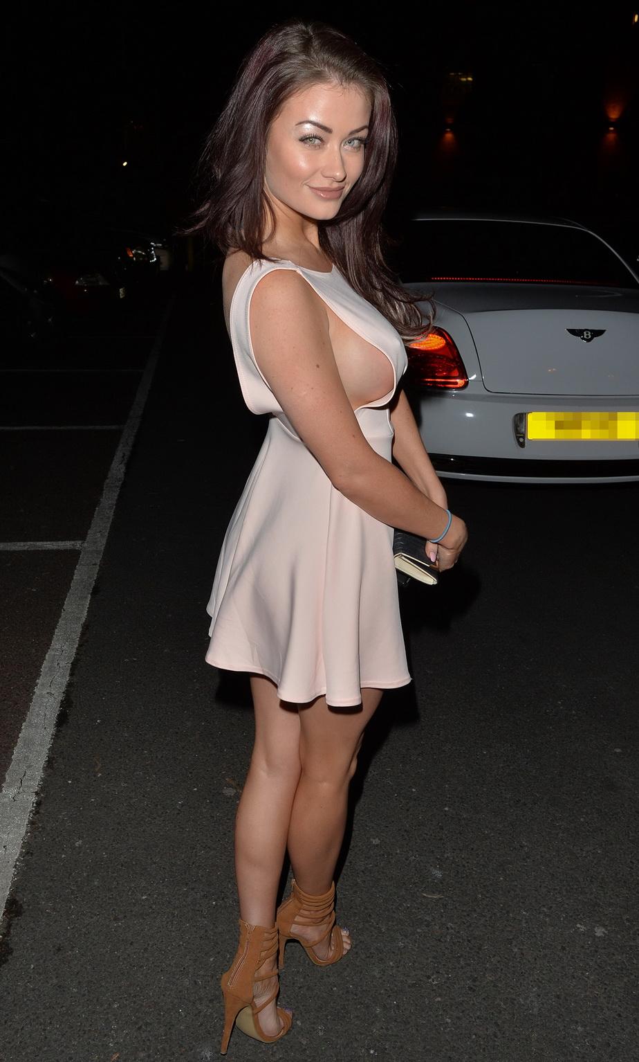 Jess Impiazi, cea mai sexy prezenţă de la un eveniment londonez