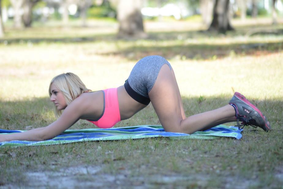 Așa face sport o actriță de filme porno! Imaginile sunt de infarct