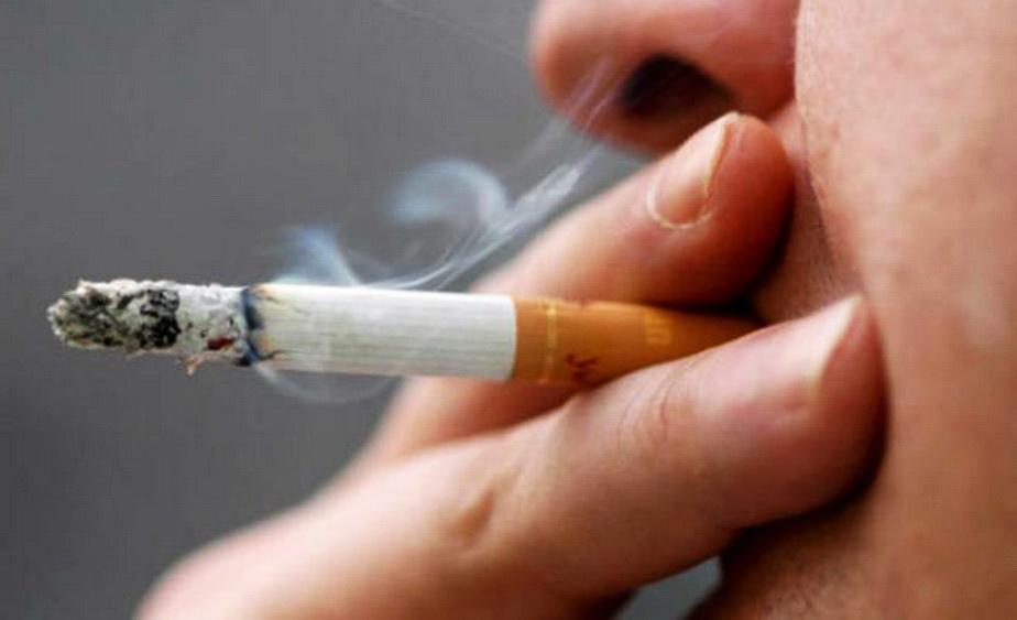 A făcut cancer din cauza ţigărilor, apoi l-a ucis pe cel care l-a învăţat să fumeze