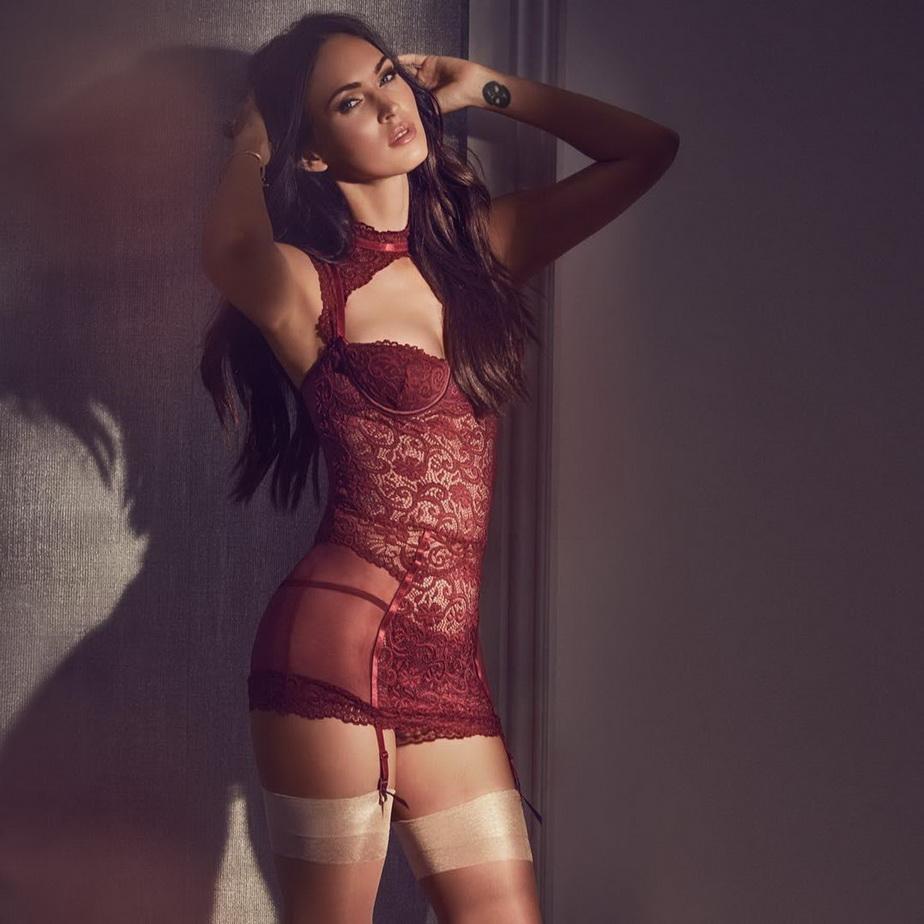 FOTO Una dintre cele mai iubite actriţe de la Hollywood a pozat super hot în lenjerie intimă