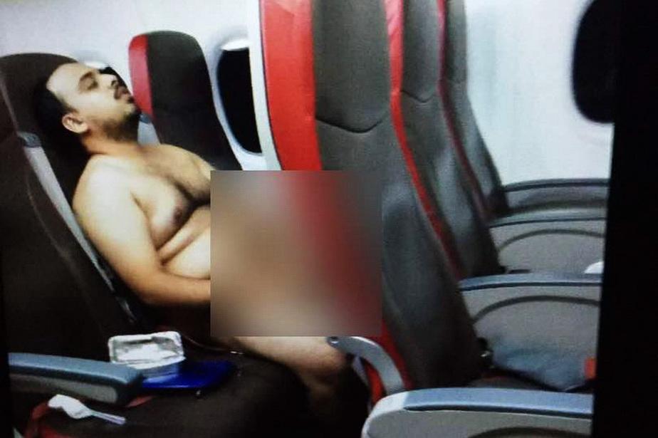 Arestat după ce s-a masturbat în avion!