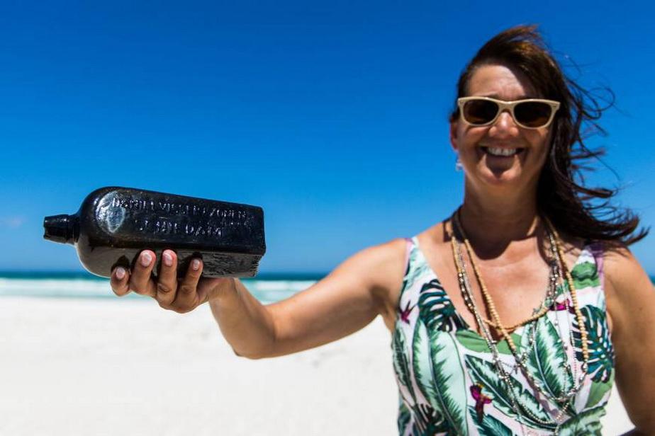 Cea mai veche sticlă cu un mesaj care a fost aruncat mare, găsită în Australia