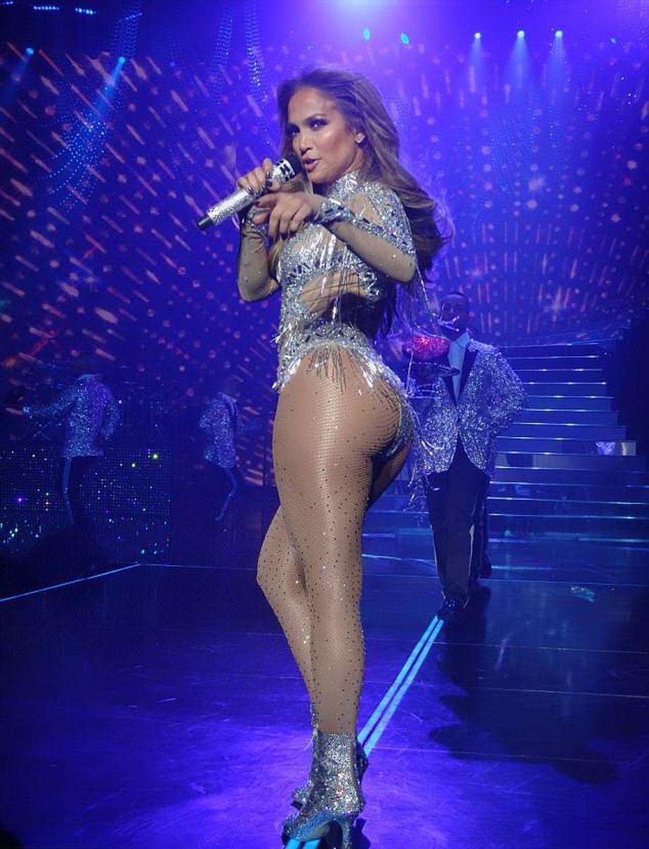 GALERIE FOTO Jennifer Lopez, o nouă aparițwie senzațională