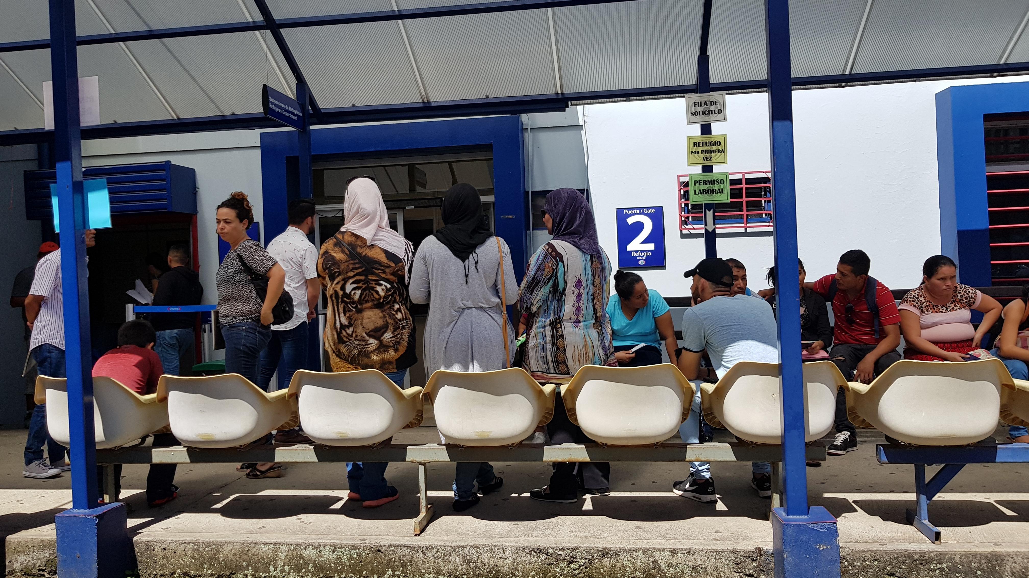 camera 2 emigrari