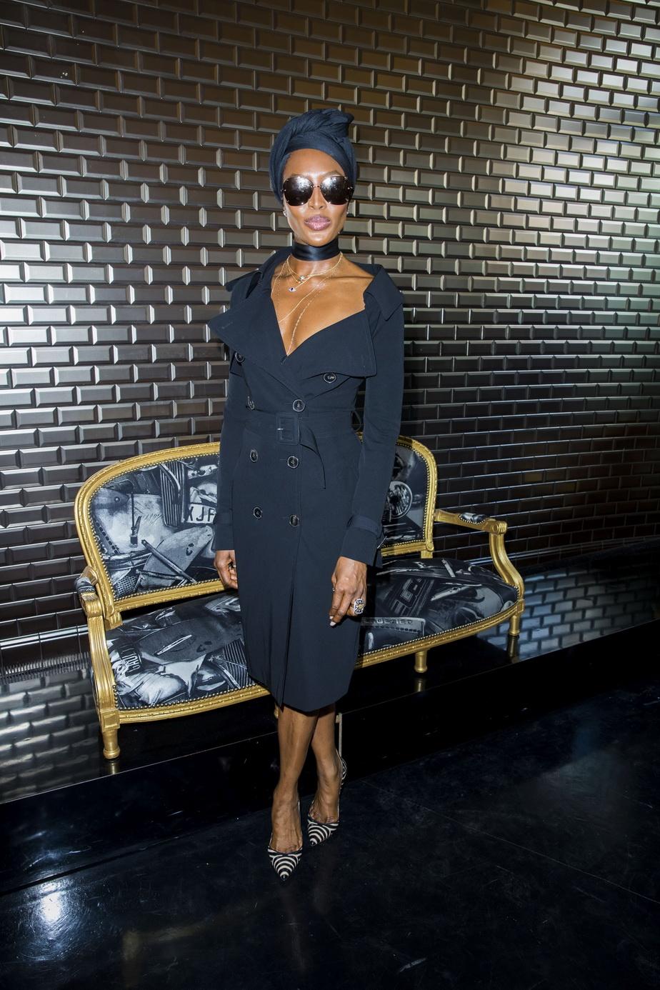 FOTO Naomi Campbell, apariție imposibil de uitat, la 48 de ani
