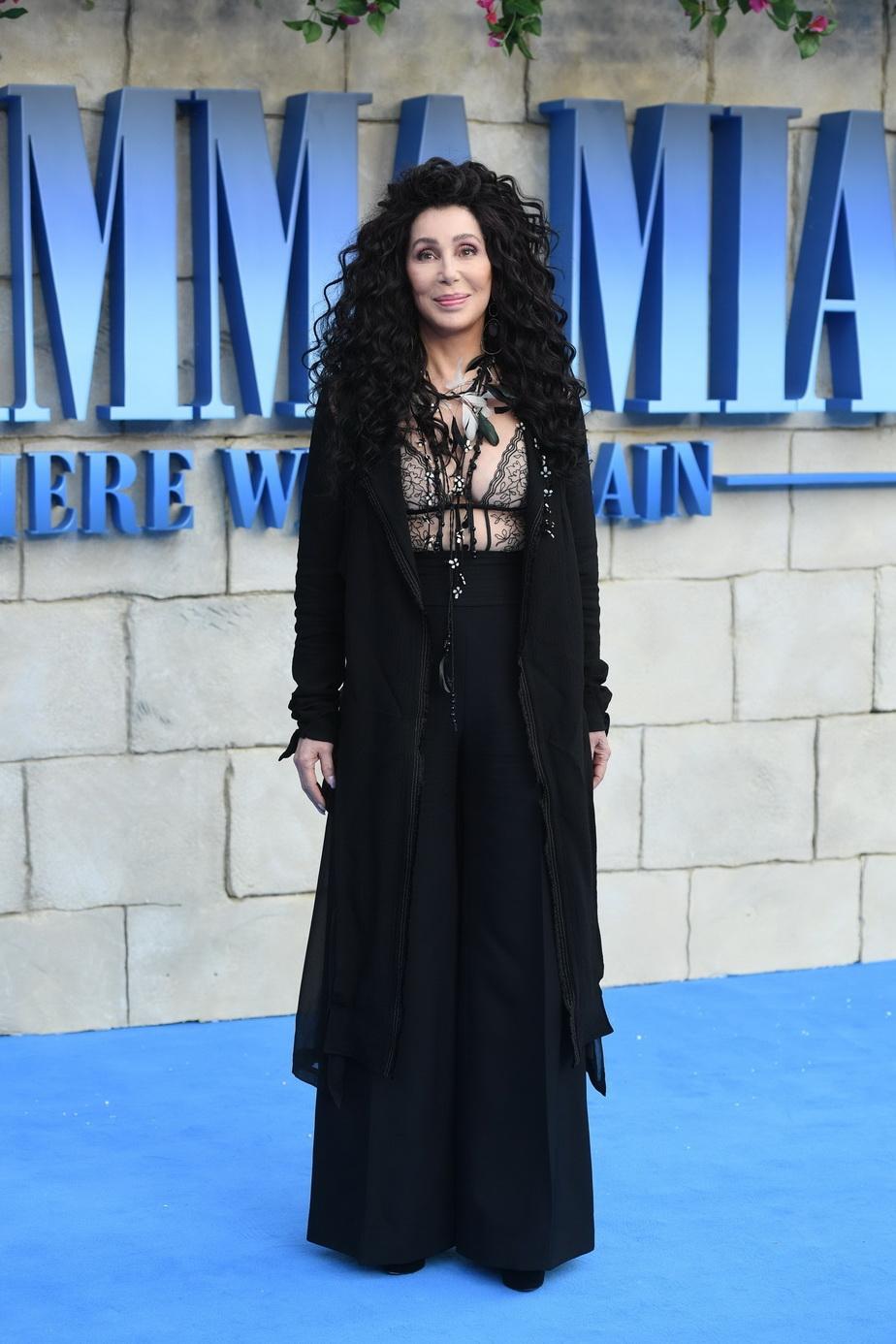 Cher contrazice tot ce se știa până acum despre bătrânețe! E uluitor cum arată la 72 de ani!