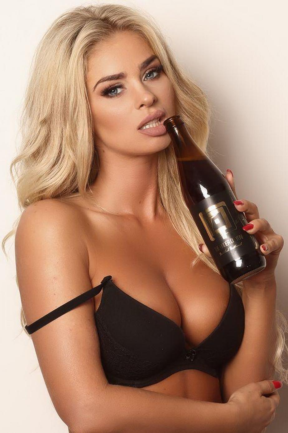Inimaginabil! O bere cu acid lactic din vagin, scoasă la vânzare