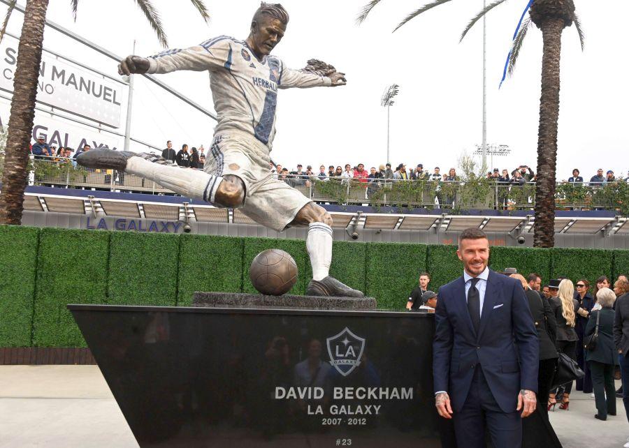david beckham statuie