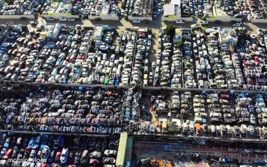 cimitirul auto masini dubai 27