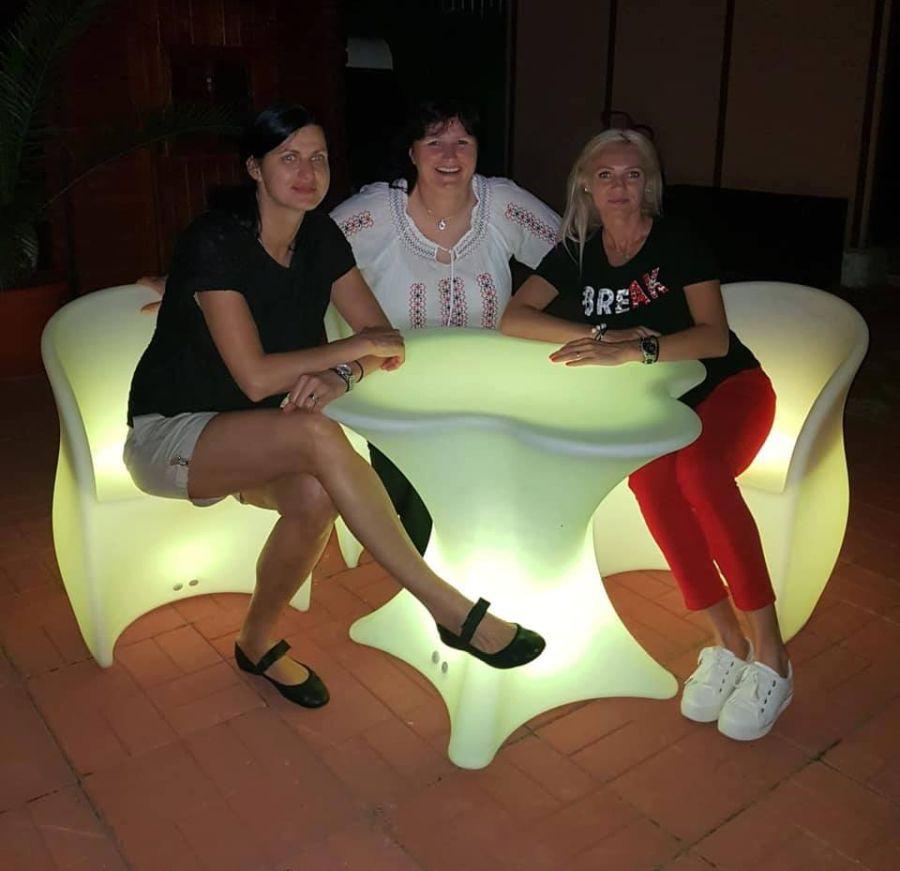 FOTO: Facebook // Jucătoarele de la Știința Bacău au sărbătorit 30 de ani de la câștigarea Cupei Cupelor
