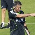 În general precaut, Jose Mourinho este obligat să forţeze diseară atacul Foto: Reuters