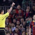 Iniesta a fost suspectat că a primit deliberat un cartonaş galben în prima manşă a sferturilor de finală ale Ligii Campionilor, cu Şahtior Doneţk