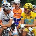 Andy Schleck şi Alberto Contador sînt principalii favoriţi la cîştigarea Turului Franţei