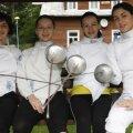 Anca Măroiu, Ana Brînză, Simona Alexandru şi Loredana Iordăchioiu (de la stînga la dreapta) sînt campioane europene la spadă Foto: Gabriela Arsenie