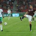Mike Temwanjera în returul cu Sparta Praga, din play-off-ul Europa League