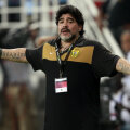 Maradona-show la debutul cu eșec la Al Wasl