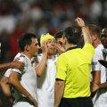 Jucătorii vasluieni protestează la penalty-ul acordat de Constantin