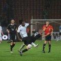 Temwanjera (în alb) a făcut un meci excelent aseară. FOTO Gabriel Tănasă (Piatra Neamț)