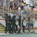 Incidentele provocate de fanii dinamovişti la meciul cu Vorskla a adus sancţiuni din partea UEFA