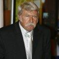 11 ani a fost Bela Karolyi antrenorul Nadiei Comăneci: 1970-1981. Colaborarea s-a întrerupt după evadarea antrenorului în America