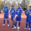 """Bănăţenii au jucat un meci demonstrativ la Colegiul tehnic """"Regele Ferdinand"""", iar la sfîrşit oficialii clubului şi sponsorii au împărţit premii"""
