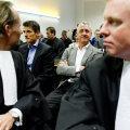 """Johan Cruyff, în sala de judecată, convins că va cîştiga procesul. În dreapta lui, fostul internaţional olandez Wim Jonk, antrenor la Academia de juniori a """"lăncierilor"""" Foto: EPA/Intact Images"""