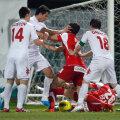 Platini (în alb, în centru) a avut o altercaţie cu Rus la Dinamo-ŢSKA Sofia 2-1
