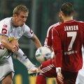 Hanke, în alb, a ajuns la 5 goluri în actuala ediție a Bundesligii