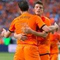 Van Persie a cîștigat duelul pentru titularizare cu Huntelaar (foto: Reuters)