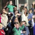 Marea familie batavă la despărţirea de jucătorii Portocalei Mecanice // Foto: De Telegraaf